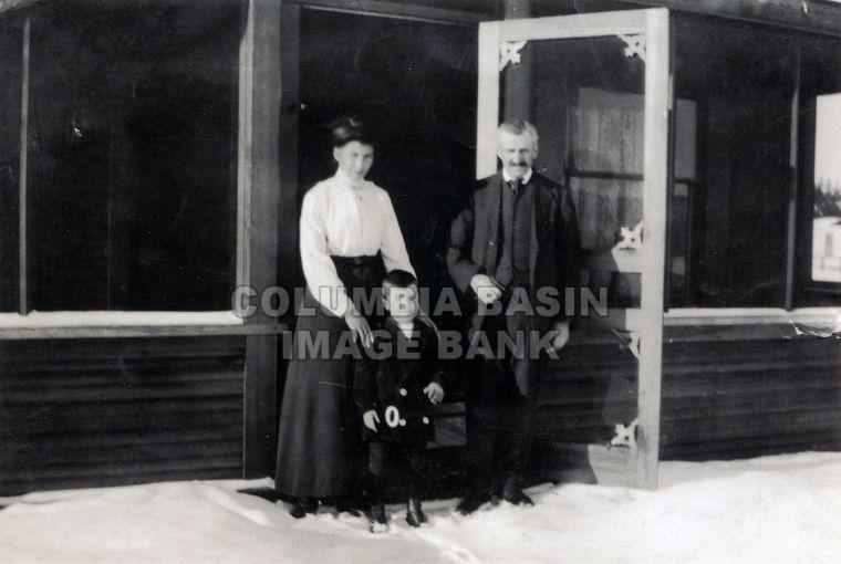 Hood Family at there house in Slaterville, Cranbrook B.C. c.1915