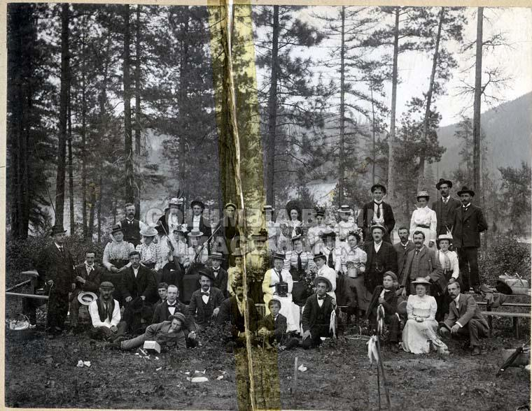 A united picnic of the Methodist and Presbyterian Churches of Rossland, July 1900