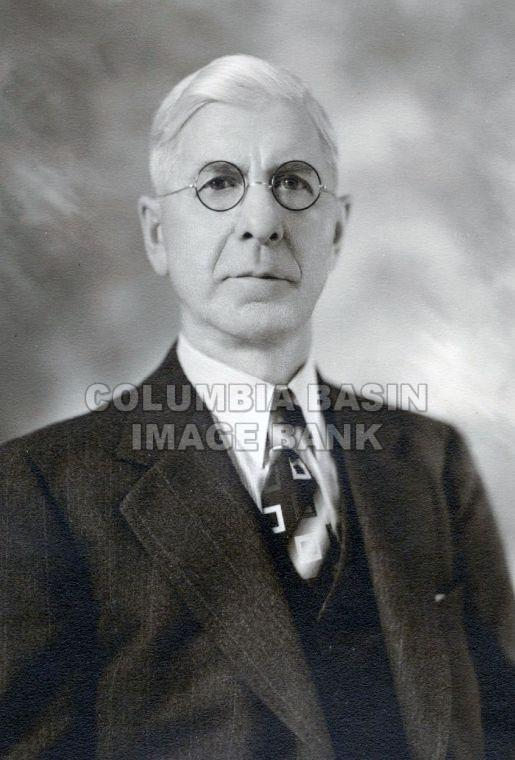 Cranbrook Masons Past Masters: Worshipful Brother C. Little 1924
